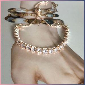 Jewelry - ●Dainty Gold Crystal Adjustable Bracelet ●